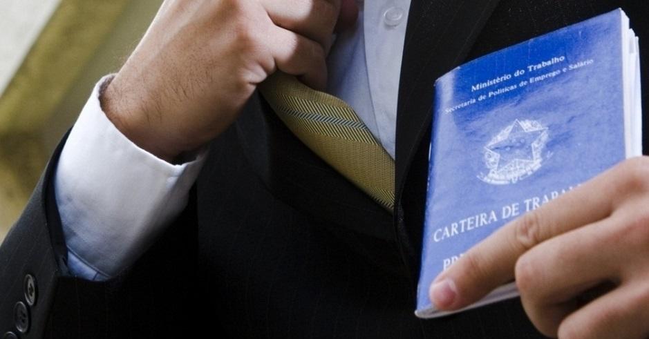 Segundo-especialistas-trabalhador-não-pode-ser-demitido-nas-férias